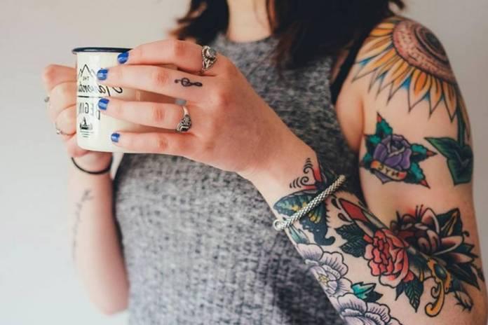 età tatuaggio